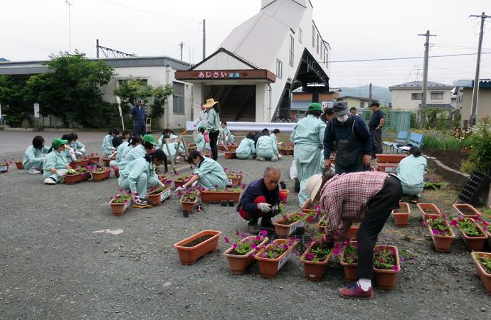 剣吉商店街緑化事業3